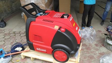 Cung cấp máy rửa xe hơi nước nóng tại Việt Trì - Phú Thọ