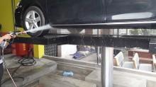 Dùng cầu nâng 1 trụ rửa xe Ấn Độ có tốt hay không?